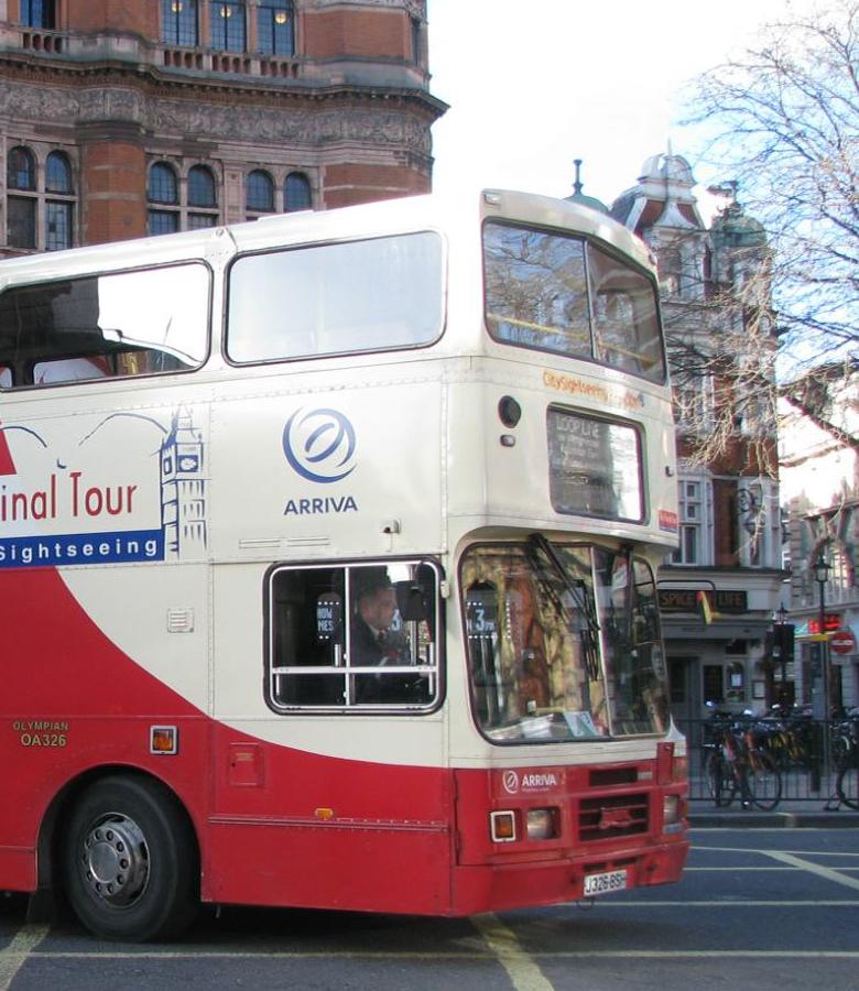 为什么选择班车租赁?企业私车公用风险不容忽视-嘟嘟巴士